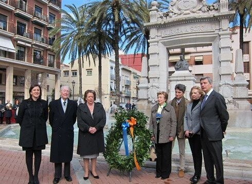 El nieto de Sorolla, segundo por la izquierda, en el homenaje a su abuelo/ayto valencia