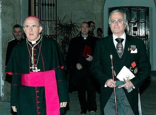 José Francisco Ballester Olmos, pregonero del Corpus 2013, con monseñor Carlos Osoro