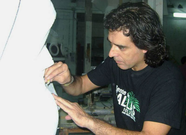 El artista fallero José Lafarga, galardonado por la Falla Plaza Doctor Collado