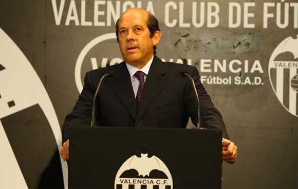 Manuel Llorente ha presentado la dimisión del club che/vlcciudad