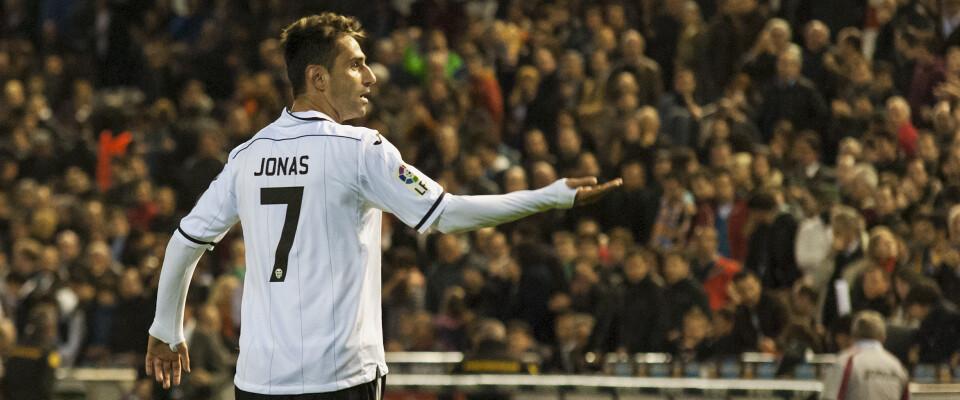 Jonas vuelve a salvar al Valencia. Foto: Isaac Ferrera