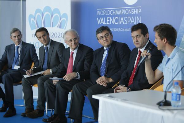 Los responsables políticos del deporte valenciano escuchan a Borja Boronat/M.Molines