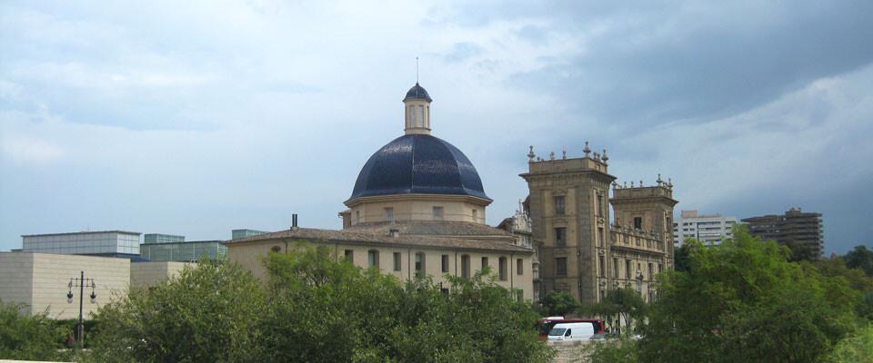 San Pío V con la primera fase de la ampliación a la izquierda.