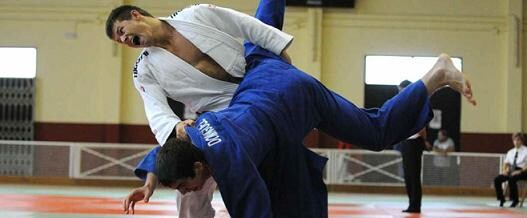 Dos judokas valencianos en una competición/fjcv