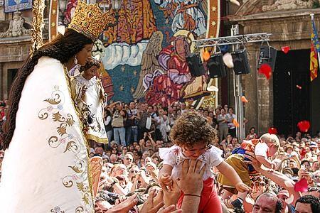 Traslado de la Virgen. Foto: Ciberfallas.com