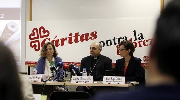 Un momento de la rueda de prensa de Cáritas/alberto saiz