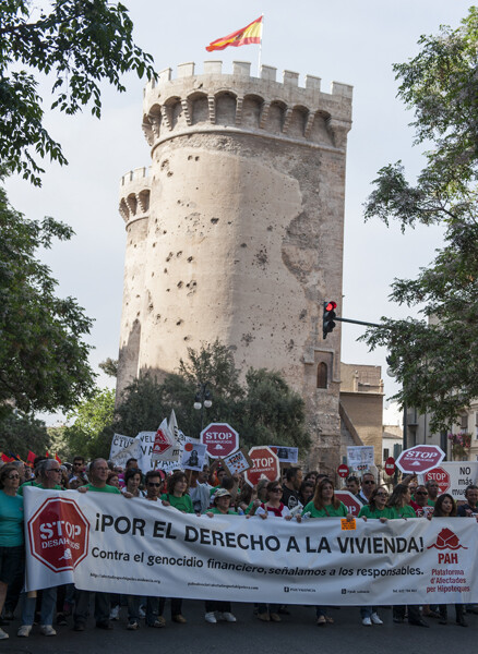 La Plataforma de Afectados por las HIpotecas en la comitiva que partió de las Torres de Quart/Isaac Ferrera
