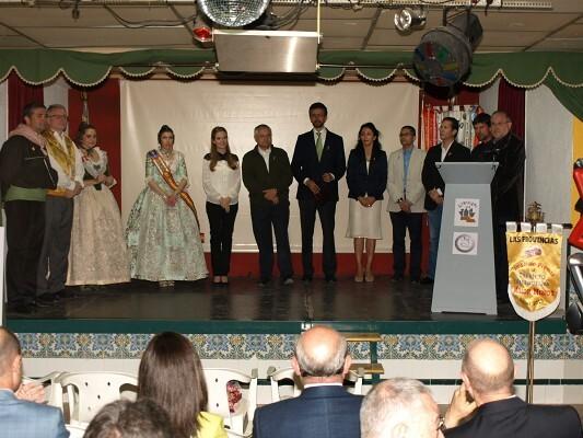 Un momento del acto que contó con la presencia de la Fallera Mayor de Valencia y todos los mandos de Bomberos/artur part