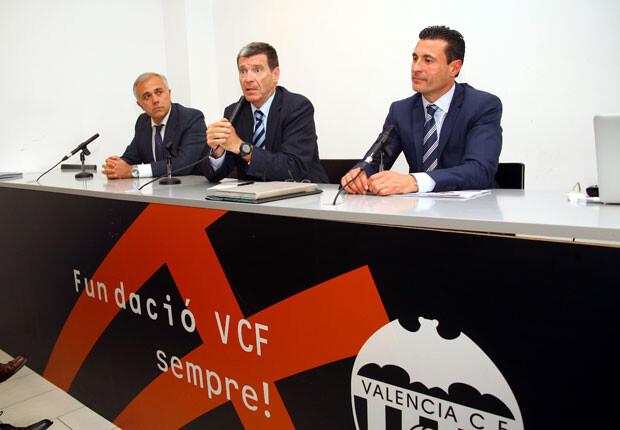 Aurelio Martínez, junto a Amadeo Salvo en foto de archivo. Foto: Juan Catalán
