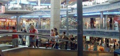 Visitantes del Centro Comercial El Saler/ccelsaler