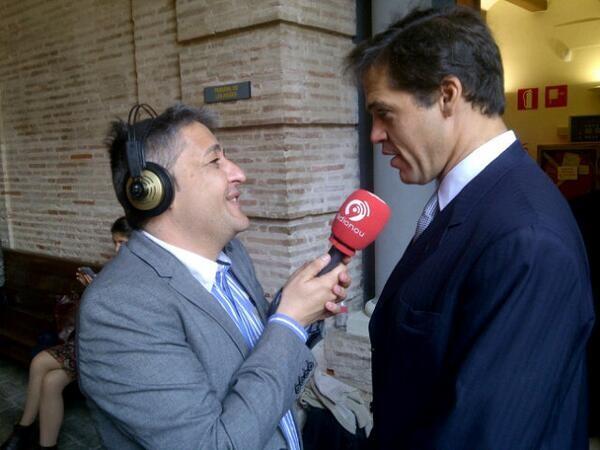 El periodista Alejandro García de RadioNou entrevista a Luis Alfonso de Borbón/vlcciudad