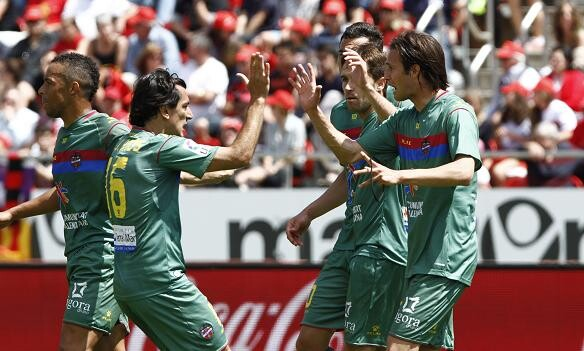 Acquafresca festeja el gol del empate granota en el Iberostar/Jorge Ramirez