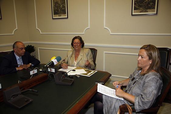La alcaldesa en la rueda de prensa con Lledó y Bernal/ayto vlc