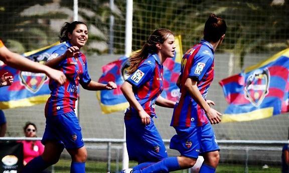 Las chicas del Levante en un anterior encuentro/Jorge Ramirez
