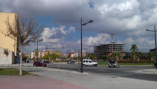 Zona de Nou Patraix con edificios vacios al fondo/patraix