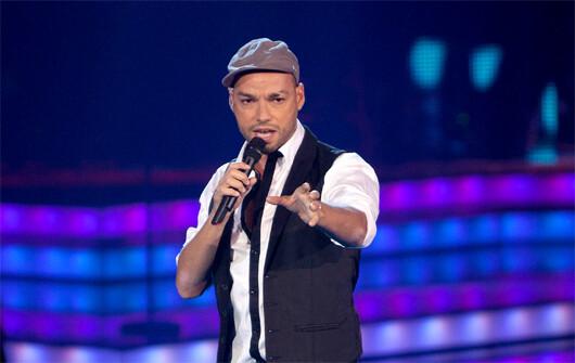 Paco Arrojo durante una actuación en el programa La Voz de Tele 5