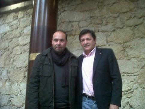El presidente de la Asociación de Vecinos de Patraix con el presidente del Princiado ayer en Oviedo/tp