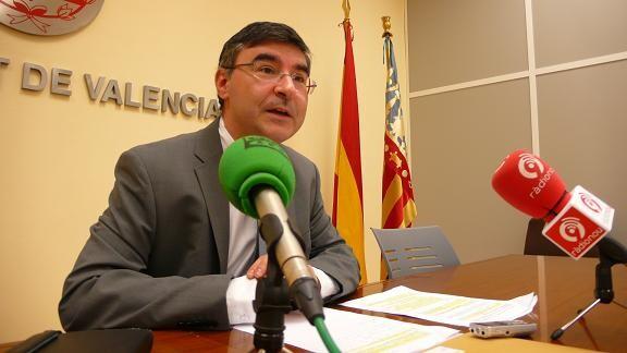 El concejal socialista, Pedro Miguel Sánchez, en una rueda de prensa/ayto valencia