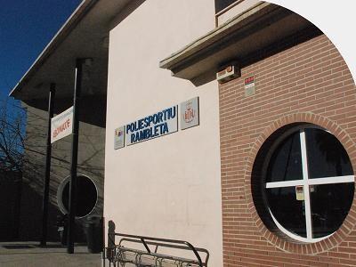Fachada principal del polideportivo de La Rambleta/vlcciudad