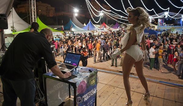 Un momento de la sesión de DJ de la noche del jueves/Isaac Ferrera