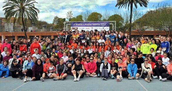 Foto de grupo de las mujeres deportistas participantes en la I Quedada/Nosotras Deportistas