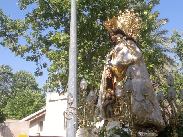 La imagen peregrina de la Virgen visita el barrio de Marchalenes 2013-06-15-2516 (10) (Small)