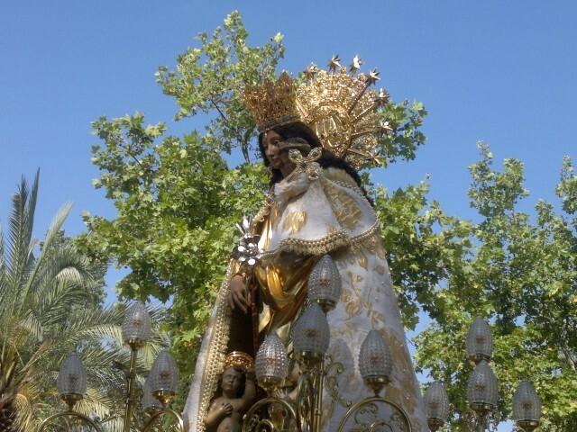 La imagen peregrina de la Virgen visita el barrio de Marchalenes 2013-06-15-2516 (12) (Small)