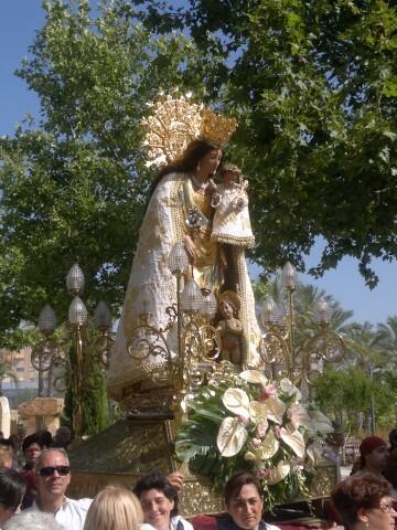 La imagen peregrina de la Virgen visita el barrio de Marchalenes 2013-06-15-2516 (16) (Small)