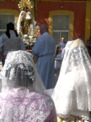La imagen peregrina de la Virgen visita el barrio de Marchalenes 2013-06-15-2516 (31) (Small)