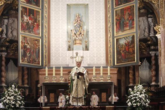 El arzobispo durante la homilía del Corpus/a.saiz