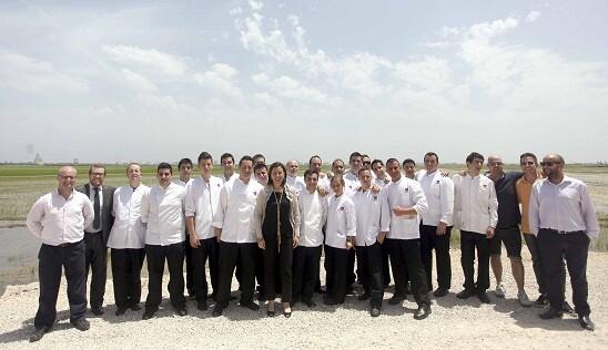 La consellera Catalá con todo el equipo de arroz Tartana hoy en El Palmar/gva