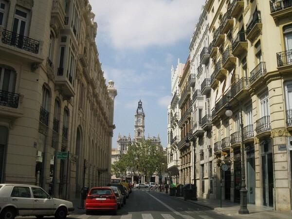 La actual calle de Correos se llamaba antiguamente de Els Jurats que ahora se recupera