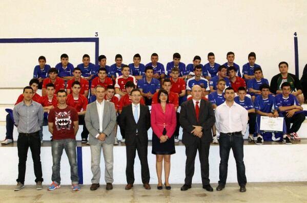 Foto de familia de la presentación de Cespiva con el conseller Castellano/jcr
