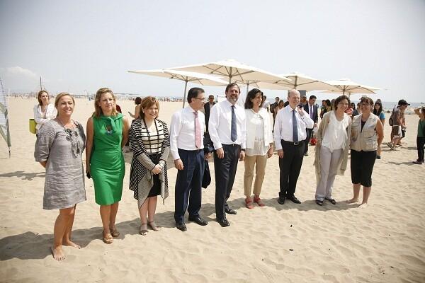 Los secretarios de Estado, los tres consellers, la delegada del Gobierno y la edil de Playas/ayto valencia