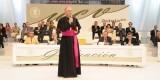 El arzobispo se dirige a los asistentes al acto académico/avan