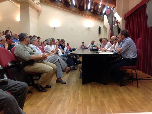Un momento del pleno de la Junta Central Fallera celebrado hoy martes, 18 de junio/artur part