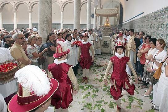 Un momento de la celebración de la Octava del Corpus/manolo guallart
