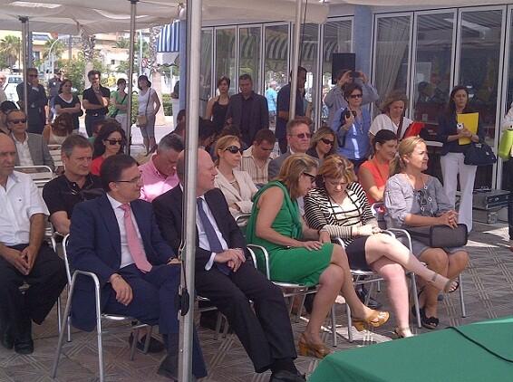 Los consellers, Serafín Castellano, Maximo Buch y Bonig; la delegada del Gobierno, Paula Sánchez de León, y la edil de Playas, asistieron al acto/vlcciudad