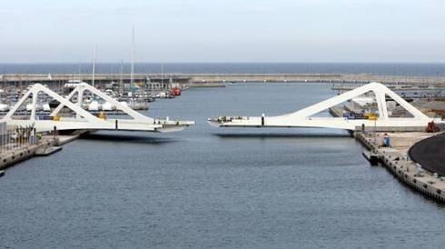 Puente levadizo del puerto de Valencai