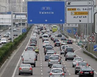 Una vista del tráfico en la V-31 de acceso a Valencia