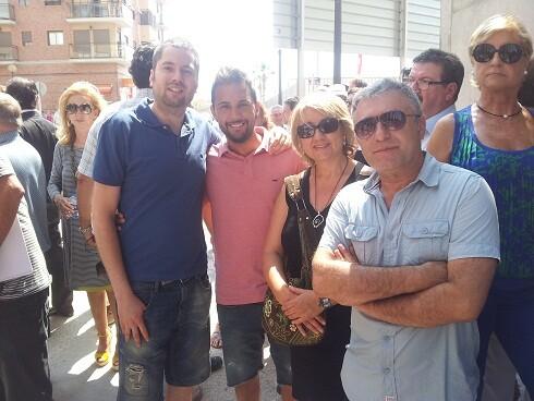 Consol Castillo con tres militantes de Compromis en la inauguración de la alcaldía de Castellar/Compromis