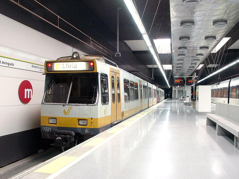 800px-torrent_avinguda_station_valencia