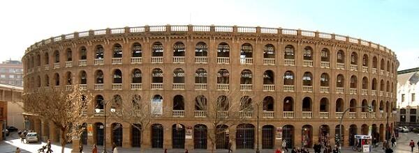 Vista frontal de la plaza de Toros de Valencia/dival