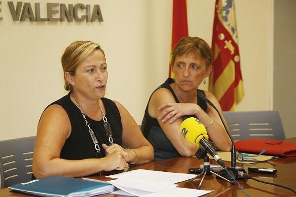 La edil de Contaminación, Lourdes Bernal, con la responsable del servicio/ayto vlc