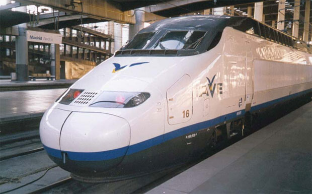 Renfe pone en marcha un tren de alta velocidad entre Valencia y Málaga.
