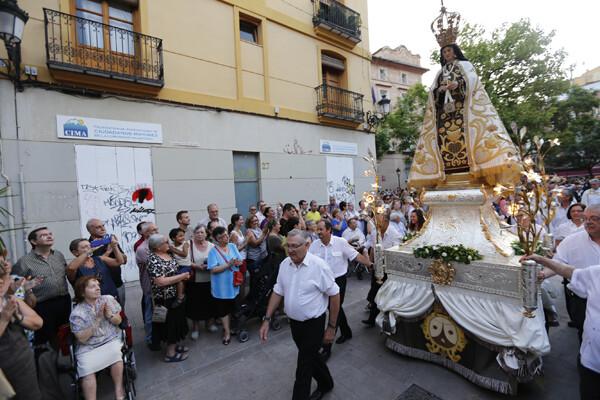 La imagen de la Virgen del Carmen durante la procesión/m.molines