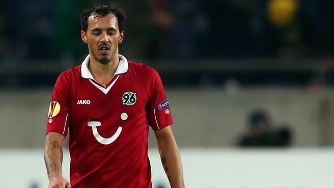 Sergio Da Silva con la camiseta del Hannover que reemplazará por la del Levante UD/uefa