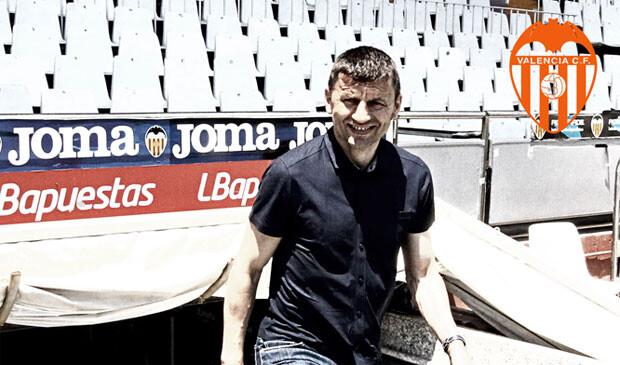 Djukic, en la comunicación del Valencia Cf en la que se le daba la bienvenida. Foto: ValenciaCF