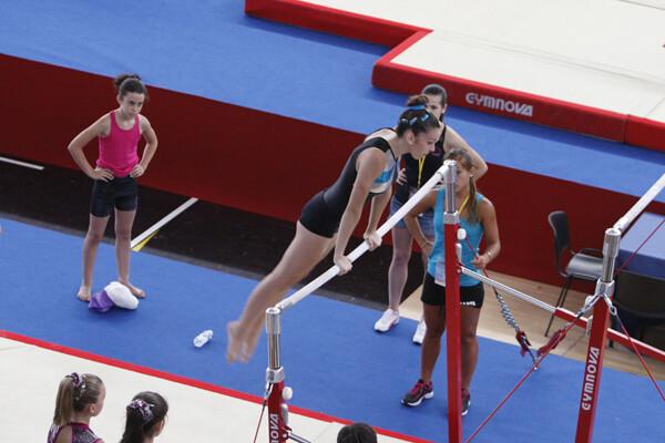 Un gimnasta realiza un ejercicio/m.molines