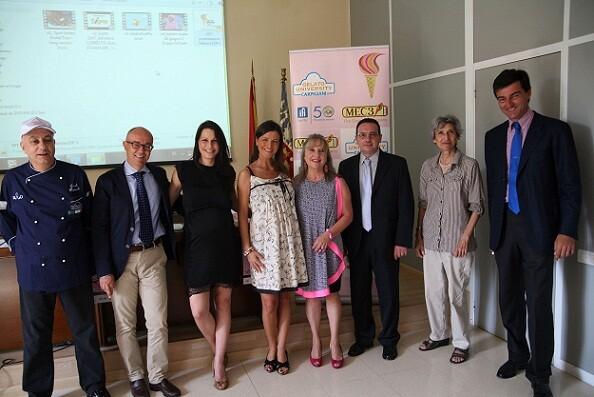 La edil de Comercio, María Jesús Puchalt, con los organizadores del certamen y junto a ella el único heladero valenciano, Javi Das/ayto vlc